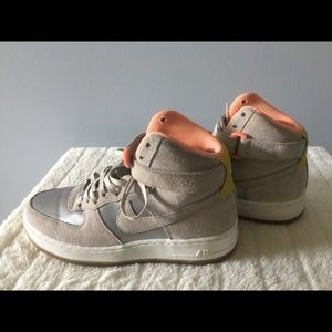 Women's Air Force 1 size 8